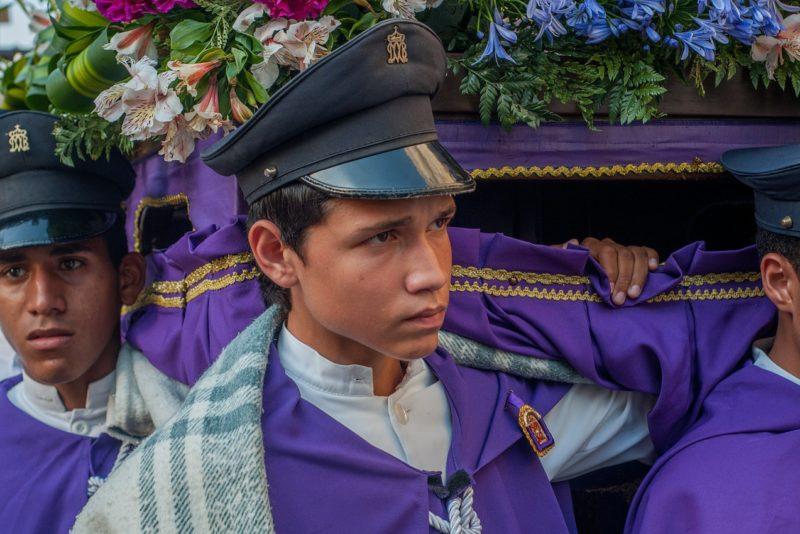 pracownicy pogrzebowi