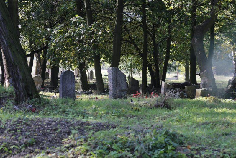 cmentarz przedwojenny